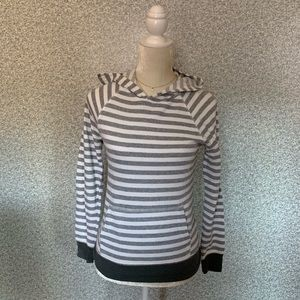 ❤️Xersion JCPenney White Gray Striped Hoodie S❤️